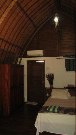 Dream Village : Bungalow Room (Door to Open Air Bath)