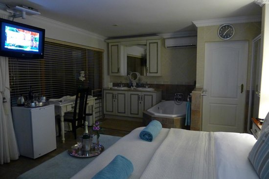 Atlantic Guest House: inside the honeymoon suite