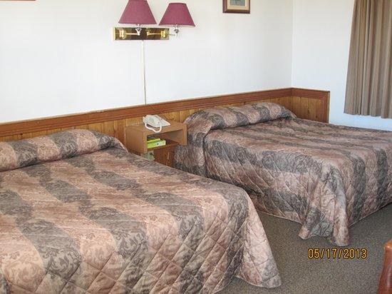 Norwood Motel: Room 115
