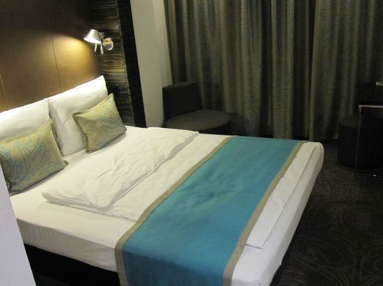 Motel One Berlin Spittelmarkt : Bed.