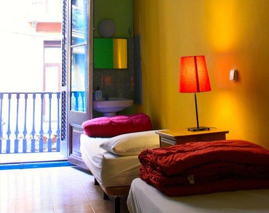 Downtown Hostel: Twin Room