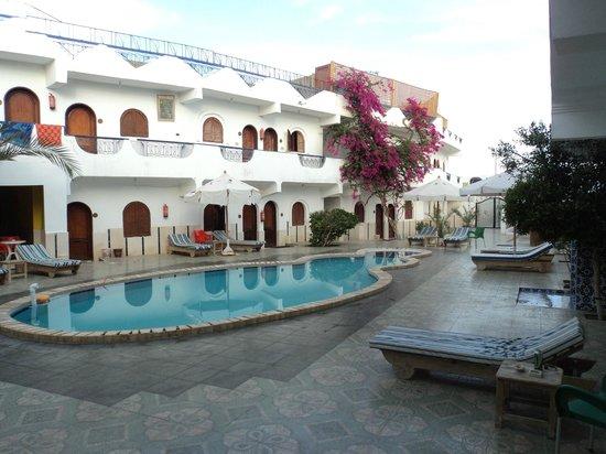 Dahab Plaza Hotel: outside room door
