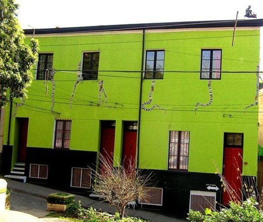 Casa verde limon valparaiso chili foto 39 s reviews en - Casas color verde ...