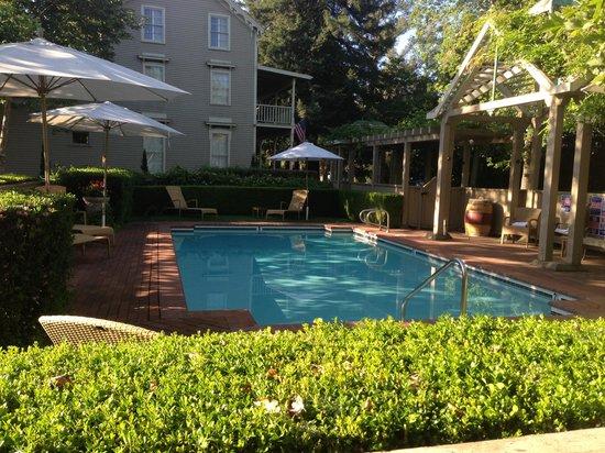 Senza Hotel: Pool.