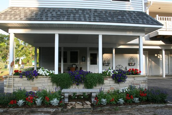Green Lake InnLLC : Green Lake Inn Entrance