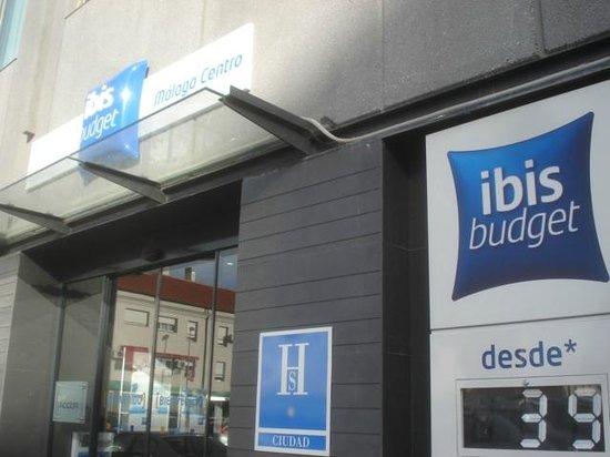 Ibis budget Malaga Centro: entrance