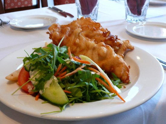 Oaks Restaurant Cafe & Bar : Fish n Chips