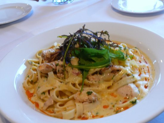 Oaks Restaurant Cafe & Bar: Fettucine