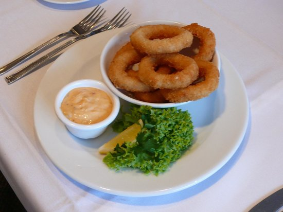 Oaks Restaurant Cafe & Bar: Squid rings entree
