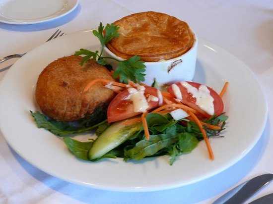 Oaks Restaurant Cafe & Bar : Venison Pie