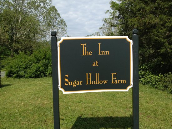The Inn at Sugar Hollow Farm: Easy to find from the road.