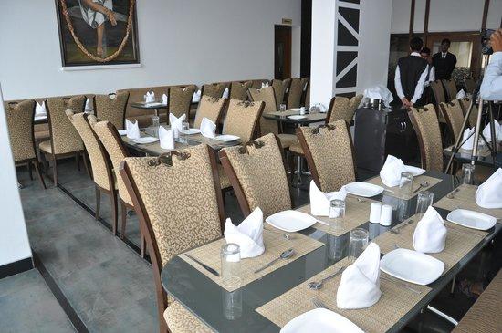 Hotel Siddhant: Shravani Restaurant