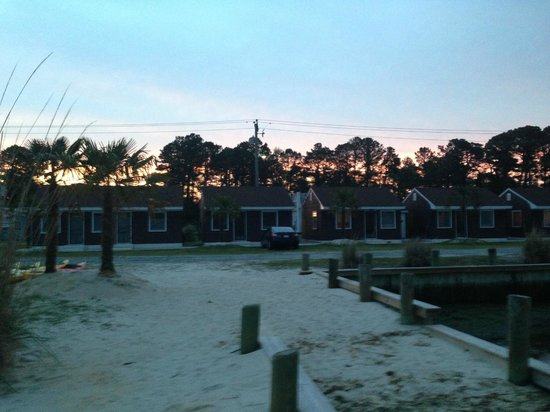 Snug Harbor Marina and Cottages: View of the cottages standing on the dock!