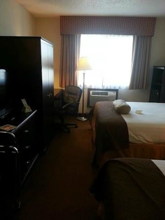 BEST WESTERN Mt. Pleasant Inn : basic double room - nothing fancy