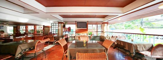 Royal Ivory Sukhumvit Nana By Compass Hospitality: Basil Café