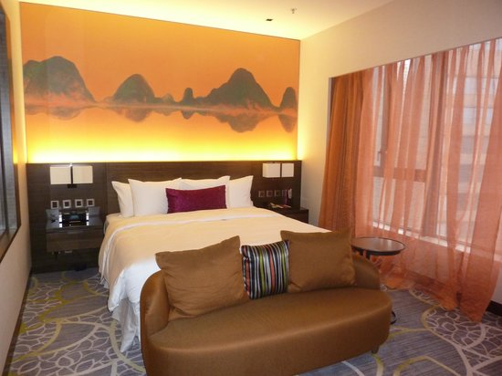 Admirable Nice Sofa In Front Of Bed Picture Of Crowne Plaza Hong Bralicious Painted Fabric Chair Ideas Braliciousco