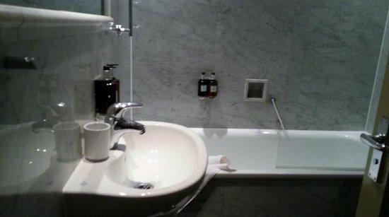 Radisson Blu Edwardian Grafton Hotel: decent