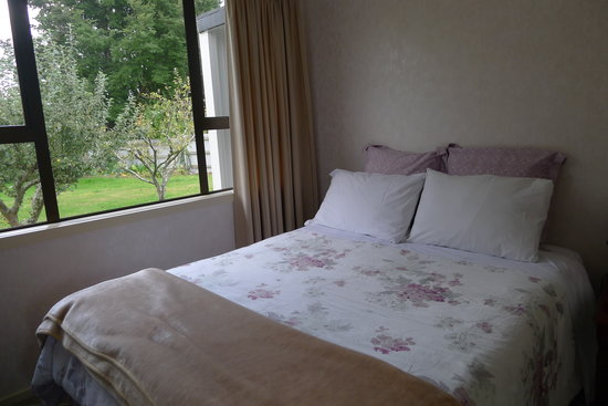 Birchwood Cottages: Bedroom 1
