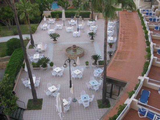 Hotel Metropolitan Playa : Blick auf die Terasse