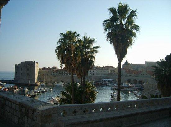 فيلا روزا: Старый порт