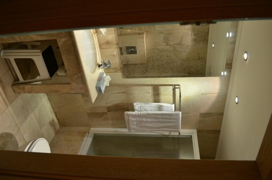 Athens Lycabettus Hotel: Salle de bain - Chambre 104