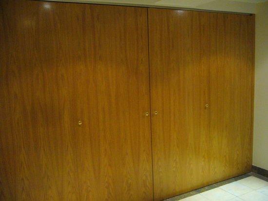 Altis Suites: Espace Cuisine fermé