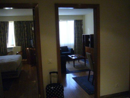 Altis Suites: Entrée+Salon et chambre