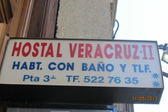 Hostal Veracruz II: Указатель над дверью (сразу не обратишь внимание)