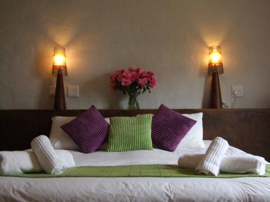 Barrydale Watercourt Lodge: Comfortable beds, crisp linen