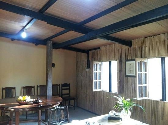 Subli Guest Cabins: Dining room