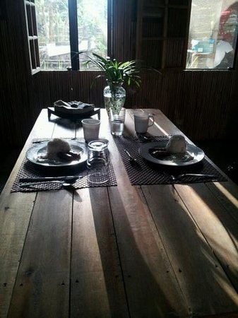 Subli Guest Cabins: Delicious breakfast - loganisa, egg and garlic rice