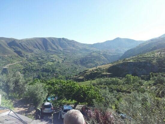 La Almunia del Valle : Het uitzicht vanaf het terras.