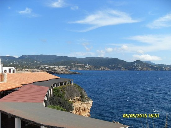 CLUB CALIMERA Delfin Playa: Blick vom Pool auf das Meer