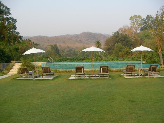 Baan Canna Country Resort: Pool in the country