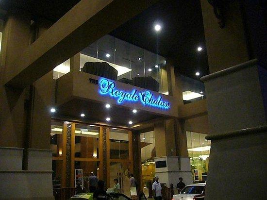 Royale Chulan Kuala Lumpur: Hotel Entrance