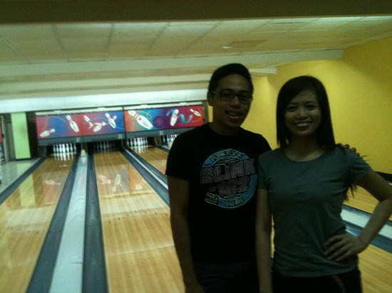 Superbowl Club : Before our bowling tournament