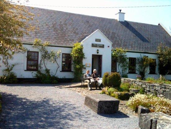 Ballyvaughan Ireland  city photos gallery : ... Ballyvaughan, Ireland Picture of Tea and Garden Rooms, Ballyvaughan