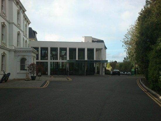 Rochestown Park Hotel: Entrada del hotel