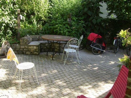 Le Jardin Cache : Jolie terrasse