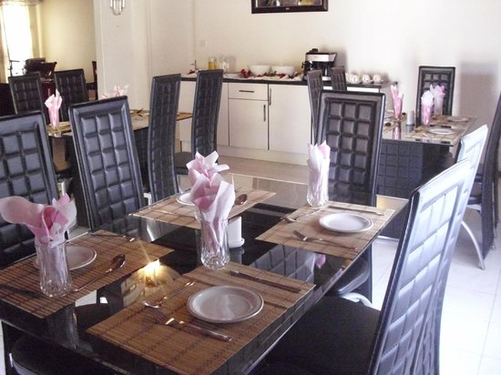 Living Guesthouse: Dining room