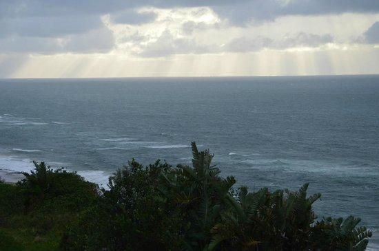 Ocean Hideaway B&B : Sunrise moment on the Deck at Ocean Hideaway