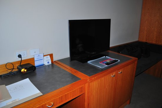 Esplanade Hotel Fremantle - by Rydges: good sized tv