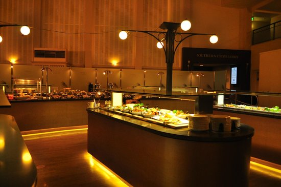 Esplanade Hotel Fremantle - by Rydges: atrium buffet restaurant