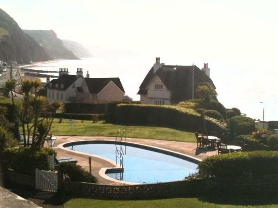 Sidmouth Harbour Hotel: The pool and view from bedroom 3
