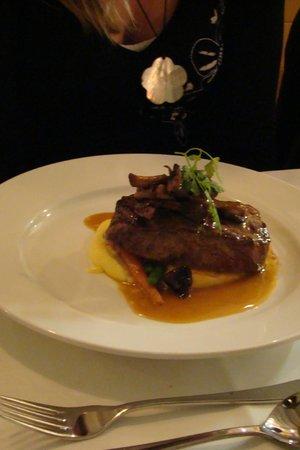 Relish Waterfront Dining: Steak