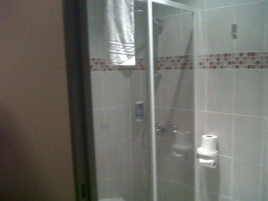 Best Hotel La Ferte sous Jouarre : salle de bain