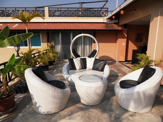 Angkor Panoramic Boutique Hotel: terrasse