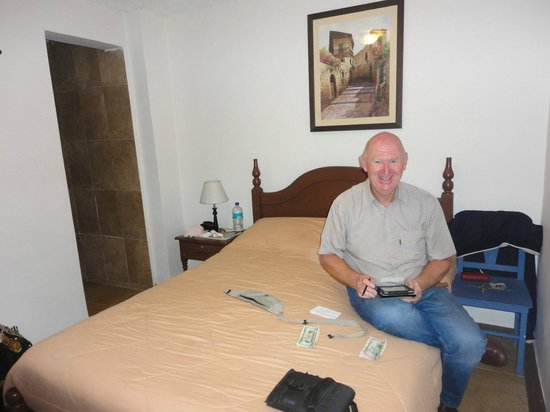 Hostal Macondo: Small bedroom