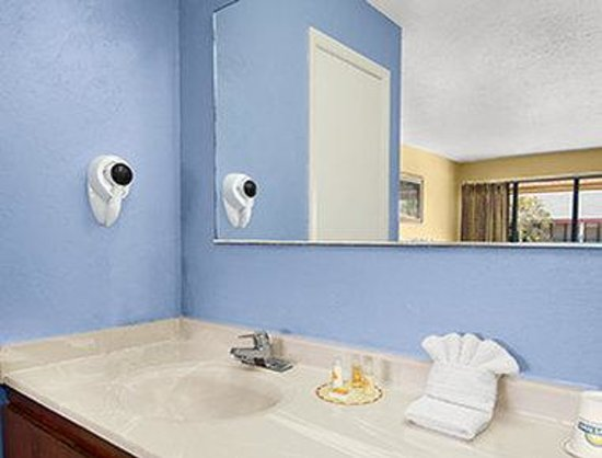 Days Inn Homestead: Bathroom