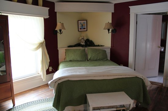 Carol's Garden Inn: my room